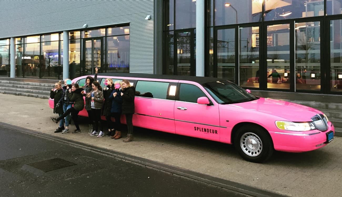 Kinderfeestje met de roze limousine